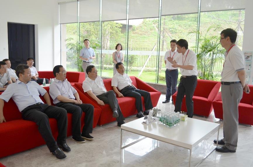 形成产业集聚区打造人才新高地 陈文浩市长调研三诺生物